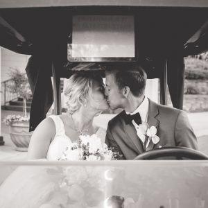 kiss in golf cart